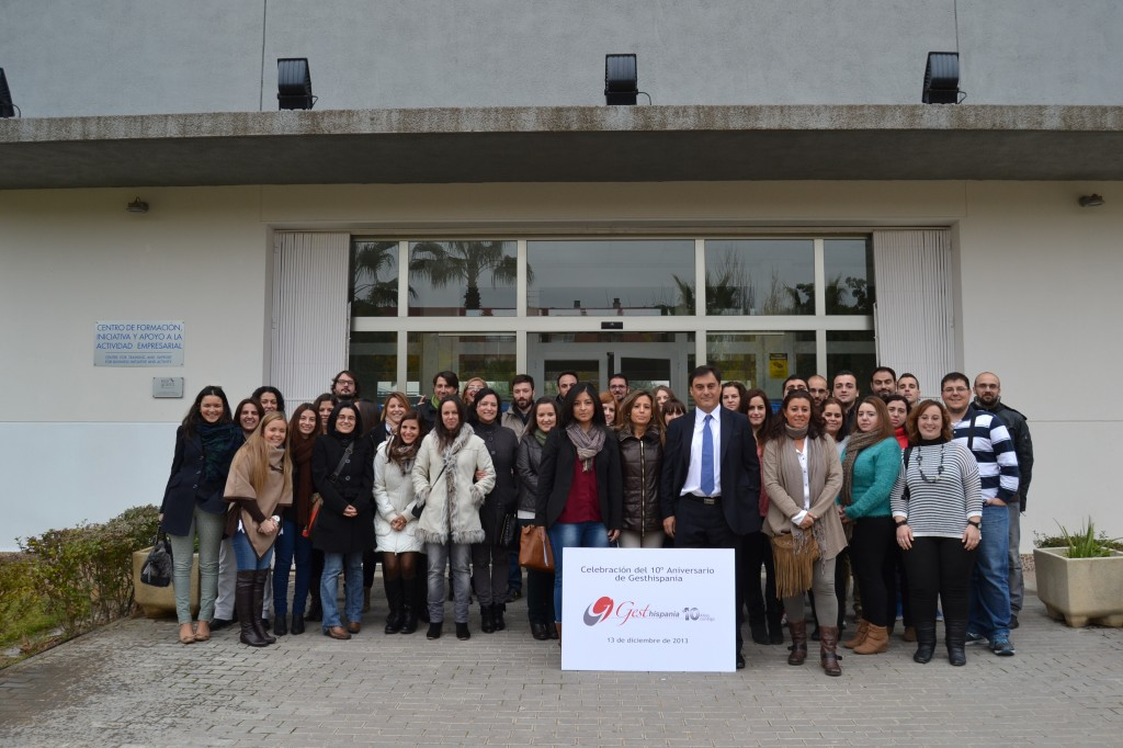 Foto de grupo en las instalaciones de la Confederación de Empresarios de Córdoba - CECO